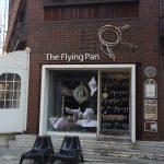 신사동 가로수길의 브런치 카페 더 플라잉 팬(The Flying Pan) 화이트